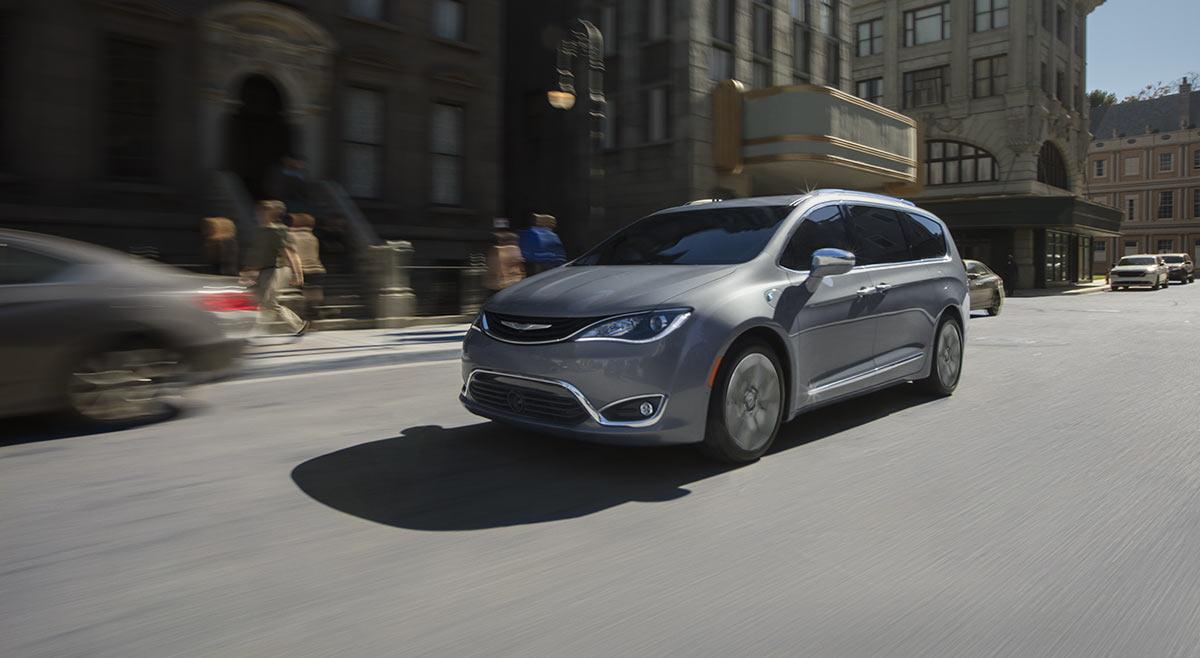 Minivans & Crossovers | Fiat Chrysler Automobile Canada Fleet